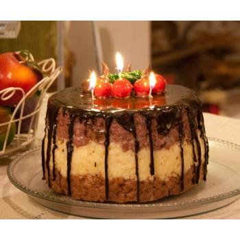 Kerze zuppa Inglese, Kuchenformat, übergossen mit Wachs-Schokolade, H 12cm ∅ 17 cm, handgemacht